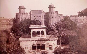 Lahore Fort Hazuri Darwaza where Ranjit grew up